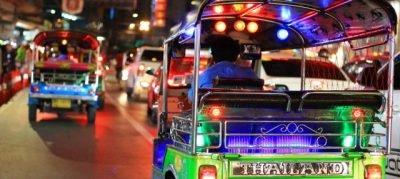 Tempat BEST di Bangkok - tuk - tuk